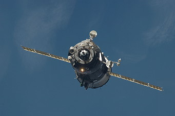 Soyuz TMA-17 arrives at the ISS