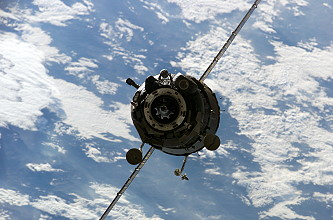 Arrival of Soyuz TMA-7 at the ISS