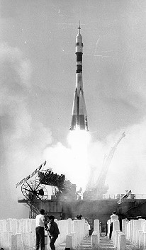 Soyuz TM-6 launch