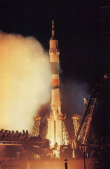 Soyuz TM-8 launch